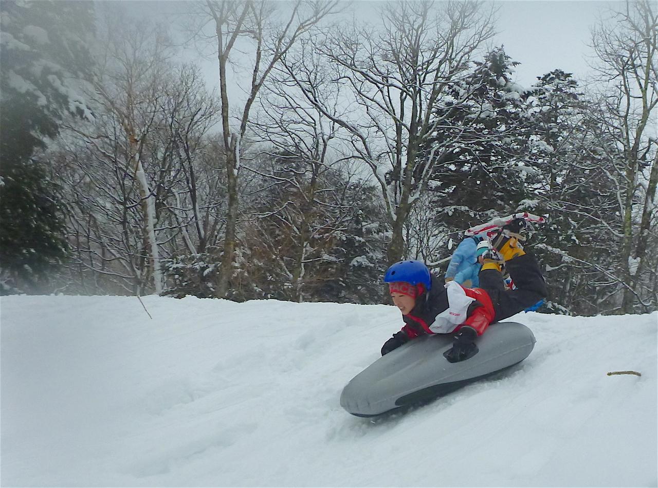 冬だ 雪だ エアーボードだ